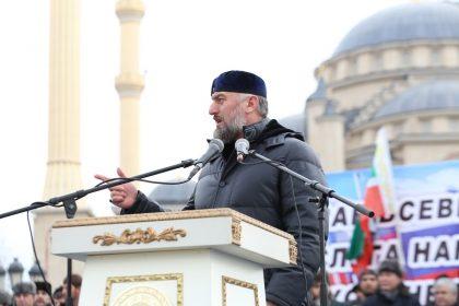 Il Presidente della Repubblica Cecena Ramzan Achmadovič Kadyrov sta con Putin!