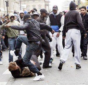 """L'Unione Europea pianifica il controllo dei cittadini """"intolleranti""""."""