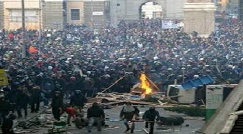 Grecia: Il Regime manganella il popolo in rivolta
