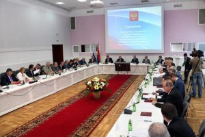 Putin: l'Air Force Russa proseguirà le operazioni contro i terroristi in Siria