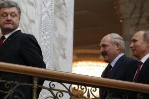 """Putin scherza sulla valigetta di Kerry, """"Forse piena è di banconote?"""""""