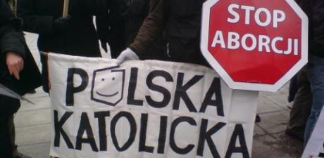 La Polonia la fa finita con l'aborto