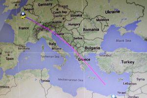 EgyptAir, aereo precipitato: impossibile pensare a un incidente