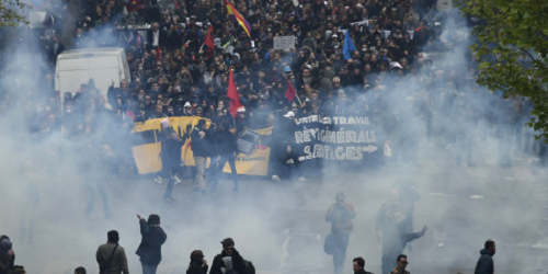 30 maggio 2016: La Francia anche oggi è paralizzata dagli scioperi