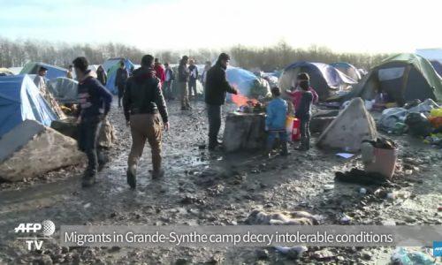 Parigi diventa un enorme campo per migranti irregolari