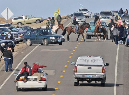 Stati Uniti: 141 Sioux e ambientalisti arrestati durante una protesta anti-gasdotto