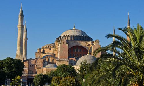 La Turchia trasforma Santa Sofia in una moschea