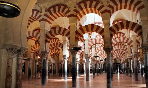 Gli islamisti attaccano il Natale, ma gli europei lo aboliscono
