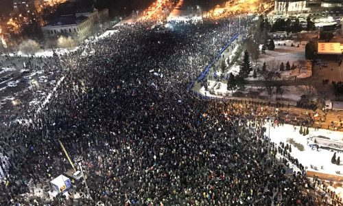 Romania: Una folla oceanica in piazza contro la corruzione
