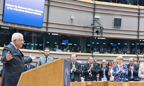Il Parlamento europeo censura la sua libertà di espressione