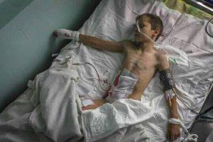 Il Regime di Kiev uccide una donna e ferisce gravemente un bambino