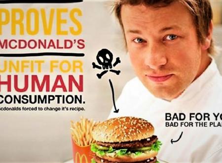 Lo chef Jamie Oliver: Hamburger McDonalds inadatti al consumo umano