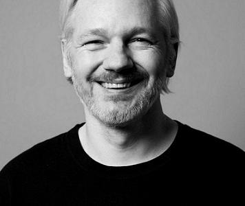 Il giornalista investigativo Mark Davis ha le prove che Julian Assange non è perseguibile legalmente