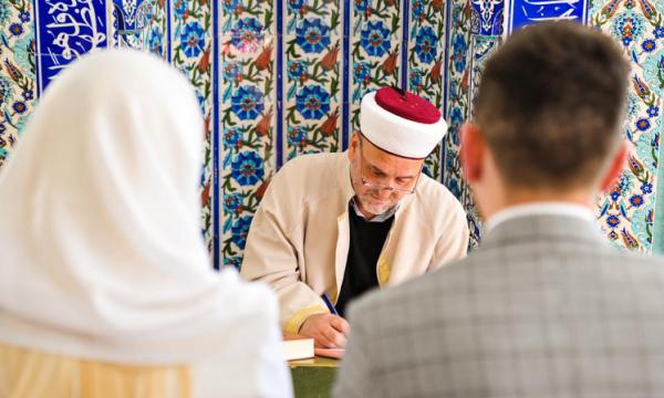 Tribunali del Regno Unito: I matrimoni della Sharia non sono validi per la legge britannica di Soeren Kern